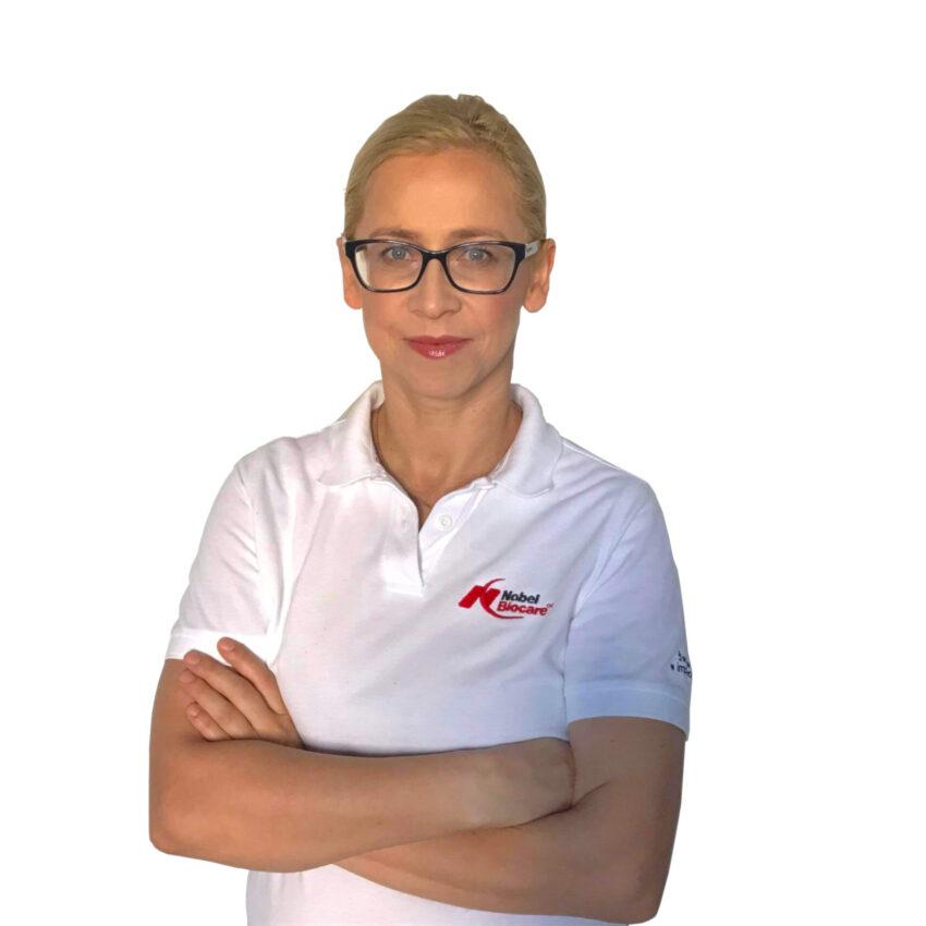 Dr Anna Ostrowska